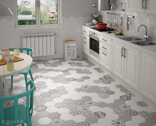 Floor Tile For Curbless Shower 7 Quot Hex Floor With 4x16
