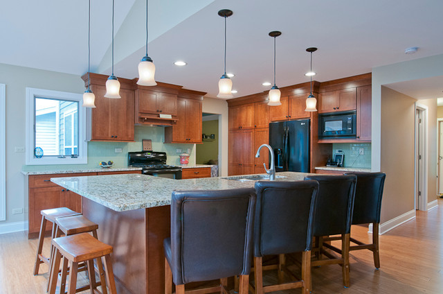 Hickory traditional-kitchen