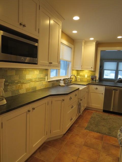 Higgins beach kitchen makeover beach style kitchen for Beach style kitchen makeover ideas
