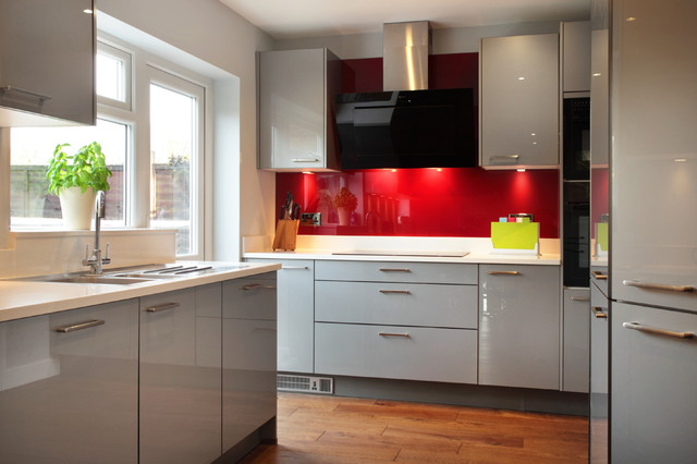 High Gloss Grey Kitchen With Red Splashback Contemporary