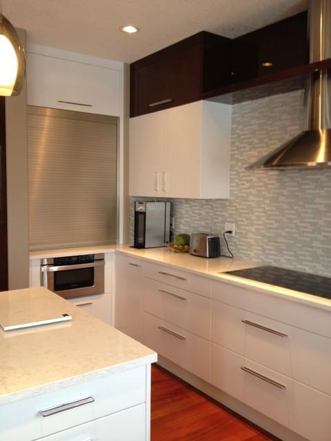High Gloss Pop modern-kitchen