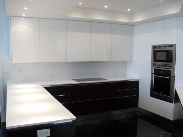 HIGH GLOSS WHITE & DARK WOOD KITCHEN - Modern - Kitchen - Miami - by European Spaces