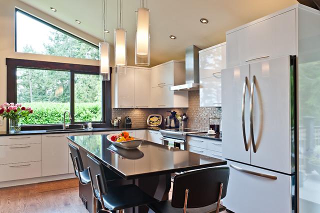 High Gloss White contemporary-kitchen