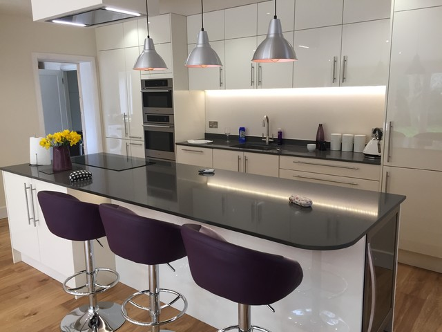 High Gloss White Modern Kitchen with Island, Island Lights ...