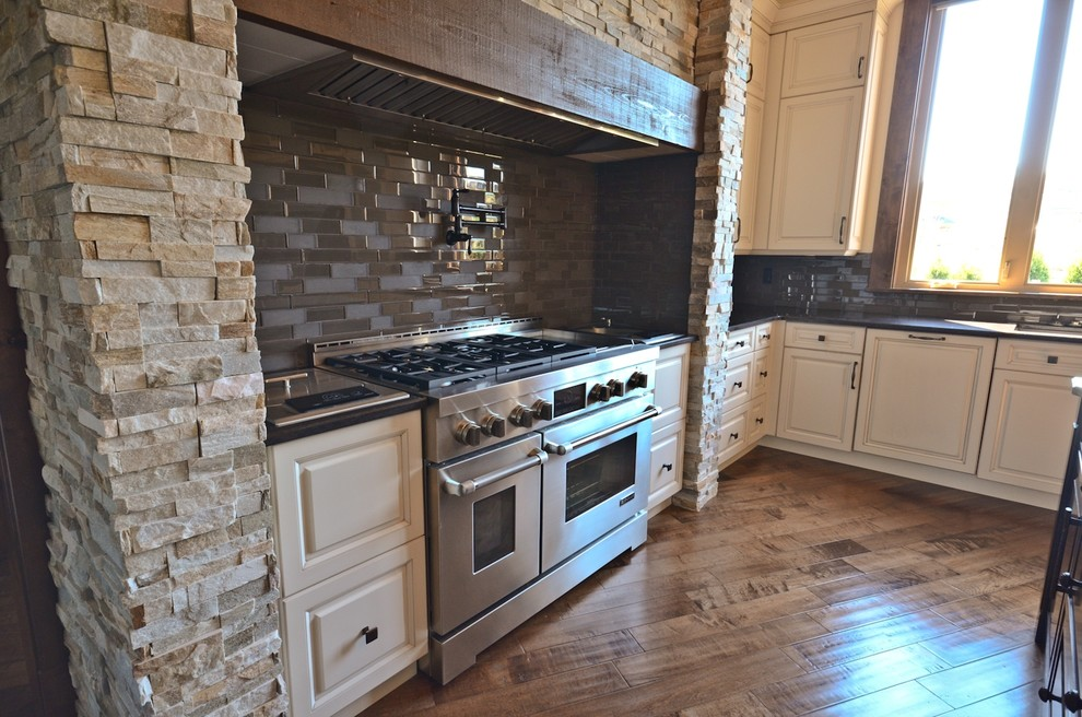 Highpoint Job, Langley BC - Rustic - Kitchen - Vancouver ...