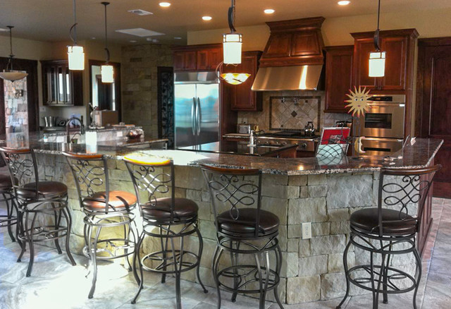 Hill country traditional-kitchen