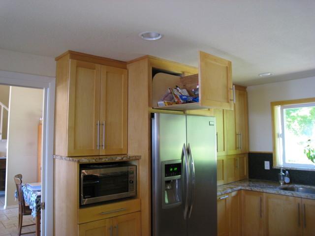 Hill Kitchen modern-kitchen