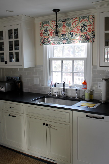Hillcrest traditional-kitchen