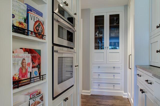 Hinsdale - Liam Brex Design traditional-kitchen