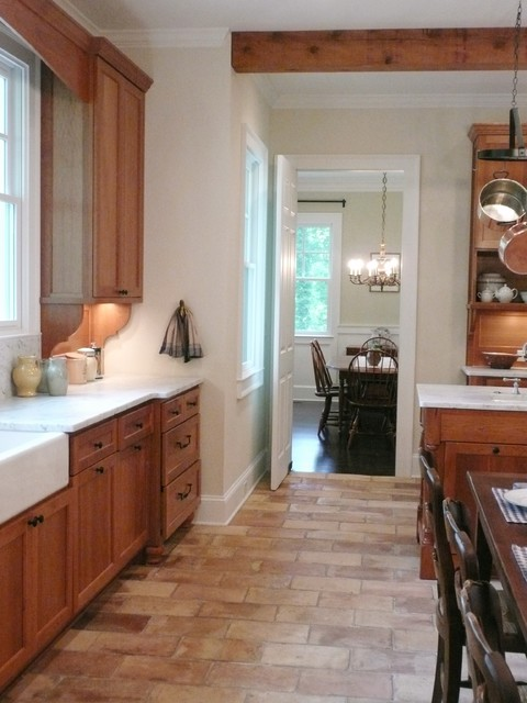 Historic brookhaven estate traditional kitchen for Accents salon chagrin falls