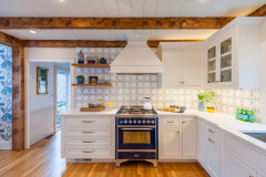 Hand-Painted Tile Inspires a Long-Awaited Kitchen Remodel