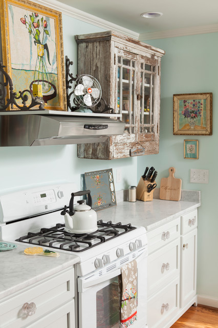 Historic home - Traditional - Kitchen - Wilmington - by En Vie Interiors by Melanie Bowe