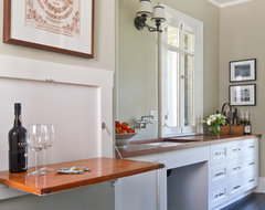 Historical Colonial in Pasadena traditional kitchen
