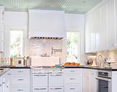 Historical Colonial in Pasadena traditional-kitchen