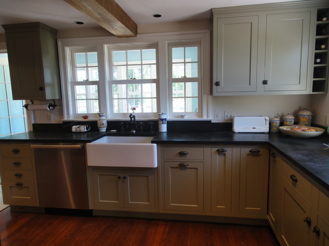 Historical Hunt Country Kitchen traditional-kitchen