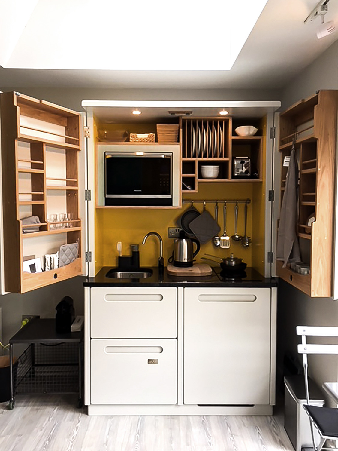 75 Beautiful Kitchen With A Drop In Sink And Yellow Backsplash Pictures Ideas November 2020 Houzz