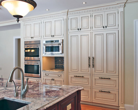 Traditional newly remodeled kitchens kitchen design ideas for Blue distressed kitchen cabinets
