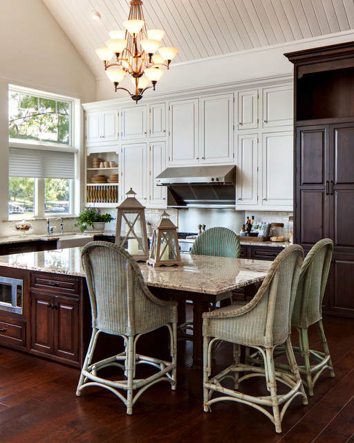 Minnesota Kitchen Cabinets: Hoegger Lake House Kitchen