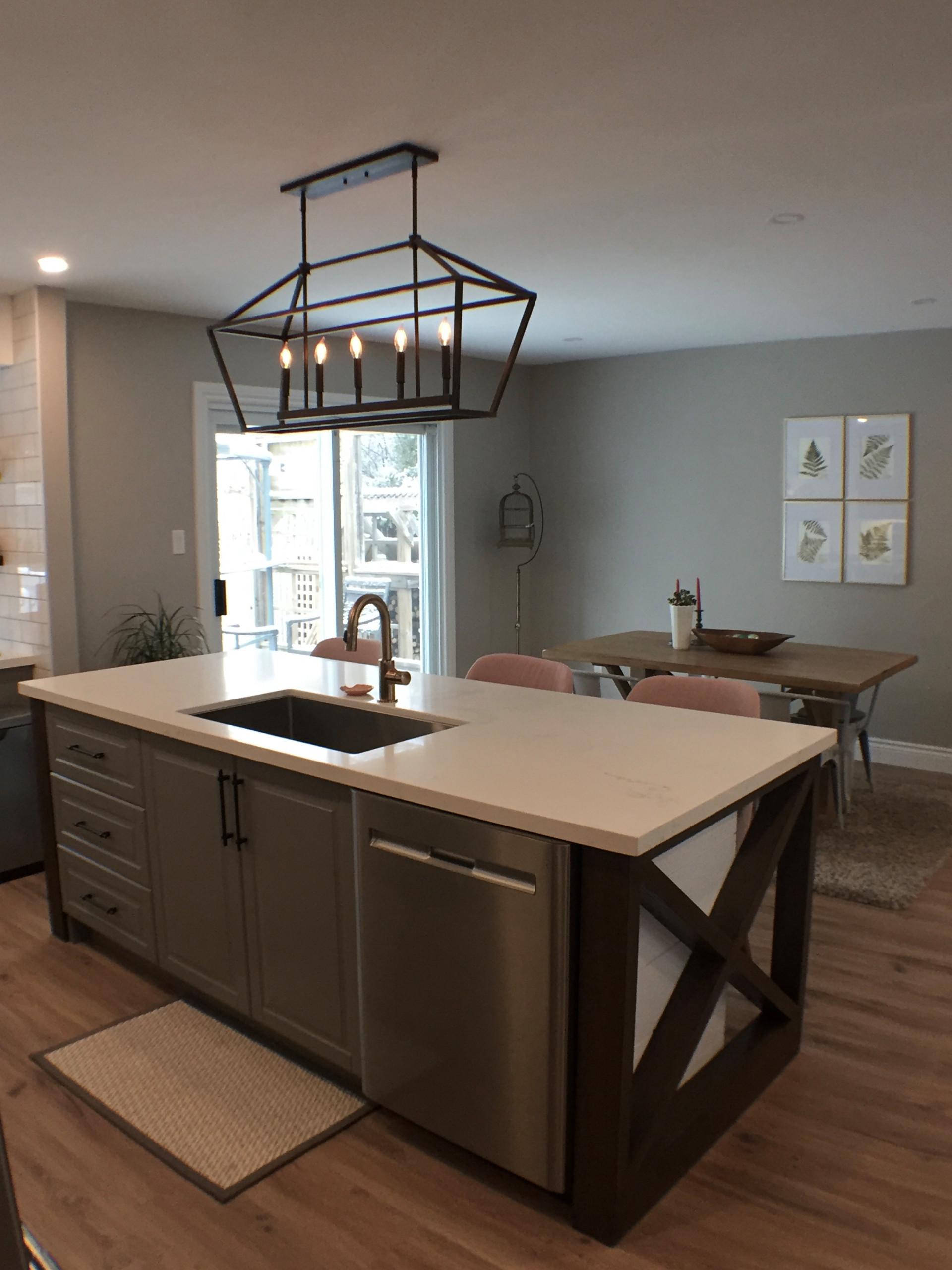Holland Landing, ON - Featured Kitchen