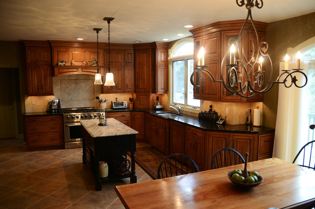 Holland Remodel Verona cabinetry in Maple Caramel/Chocolate Glaze traditional-kitchen