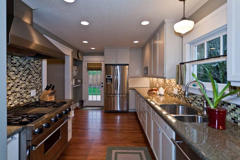 Hollywood Bungalow: Kitchen - Contemporary - Kitchen ...