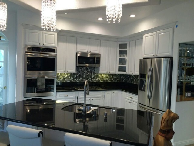 Home concepts plus classic white cabinets black galaxy for White kitchen cabinets with black galaxy granite