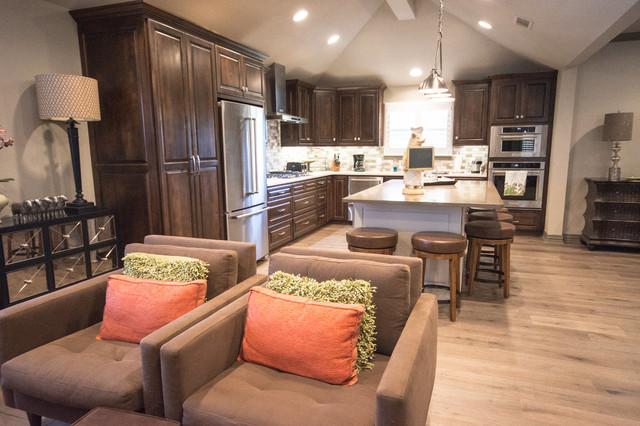 Example of a trendy kitchen design in Dallas