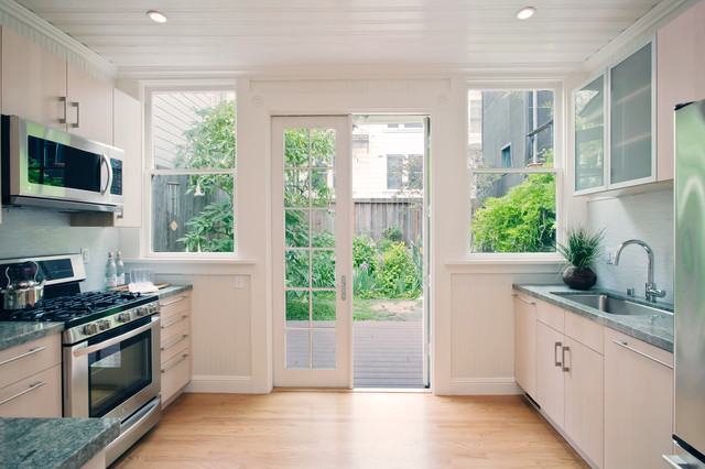 Home Staging And Feng Shui contemporary-kitchen