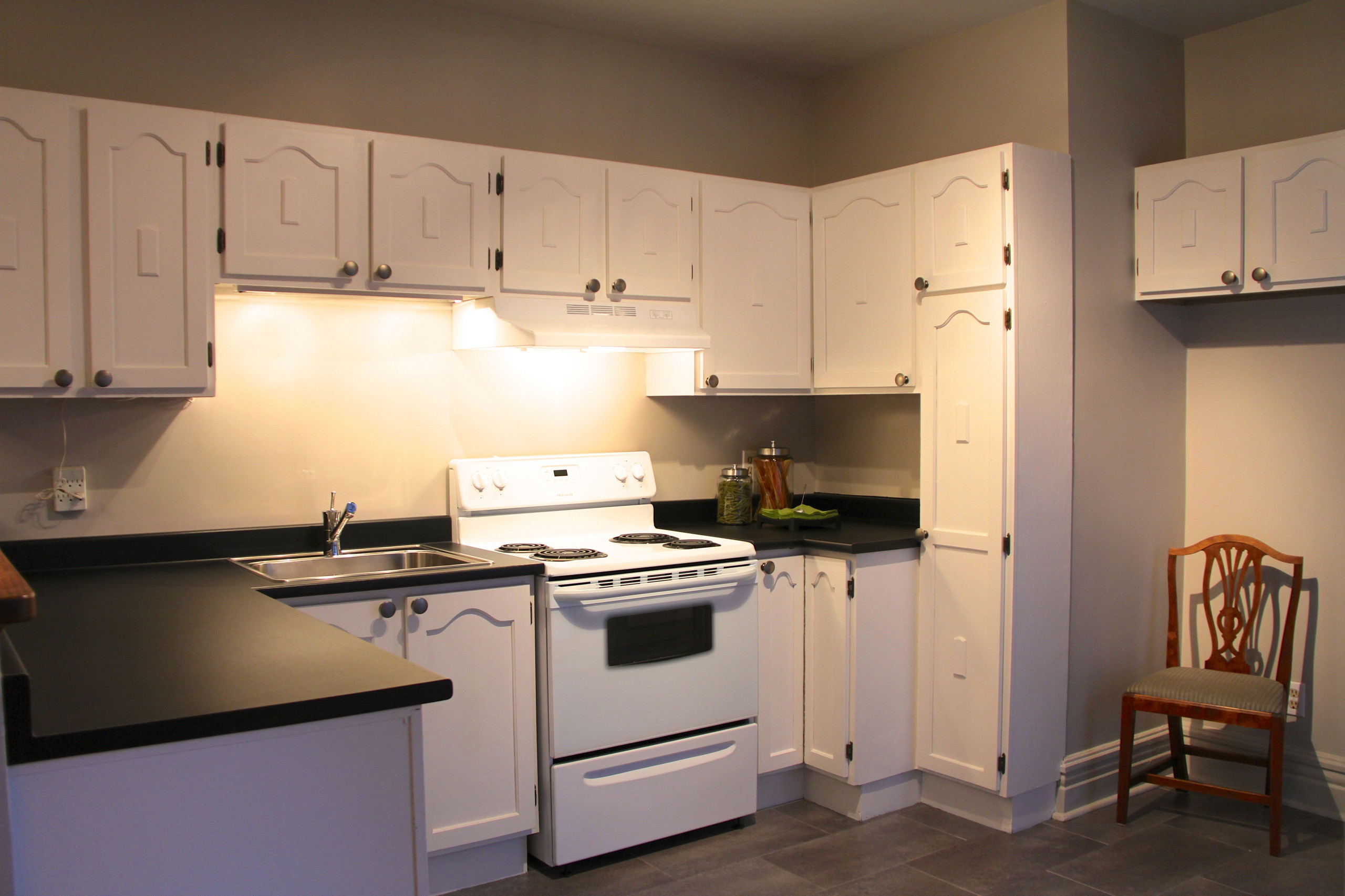 Home Staging - Outremont Condo
