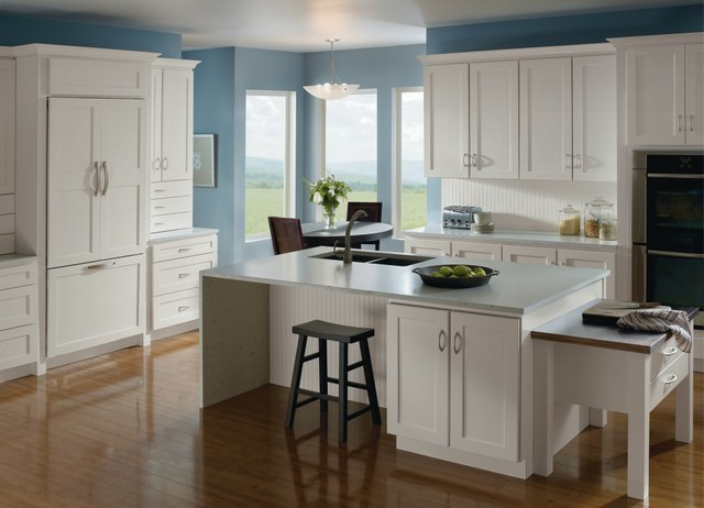 Homecrest Cabinetry Casual White Kitchen