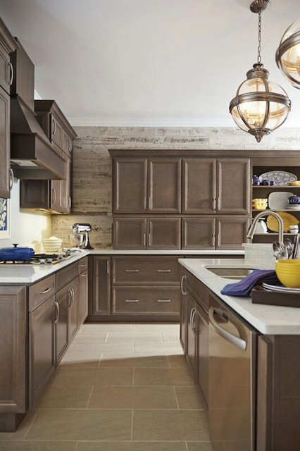 Homecrest Cabinets Traditional Kitchen