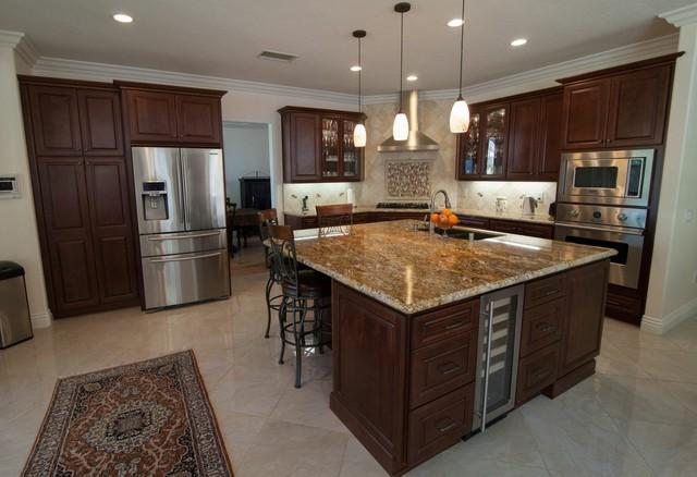 Charming HomeCrest, Jamison, Maple, Sorrel Traditional Kitchen