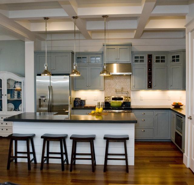 Cottage Kitchen Cabinets: Hondros Cottage