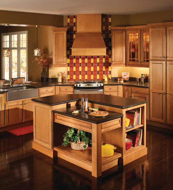 Marvelous Honey Maple Kitchen American Traditional Kitchen