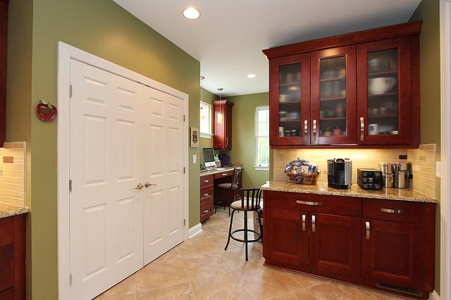 Honeystone traditional-kitchen