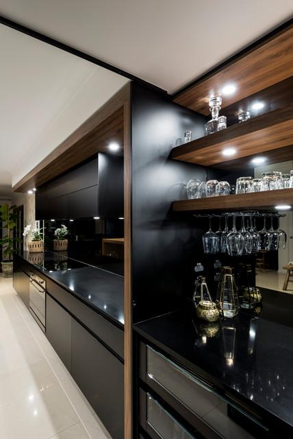 Hope Island / Gold Coast - Contemporary - Kitchen - Gold ...