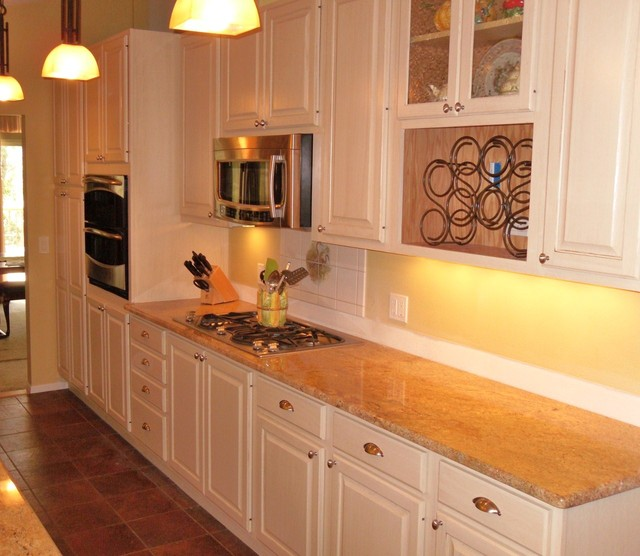 Horse Estate in Fort Collins traditional-kitchen