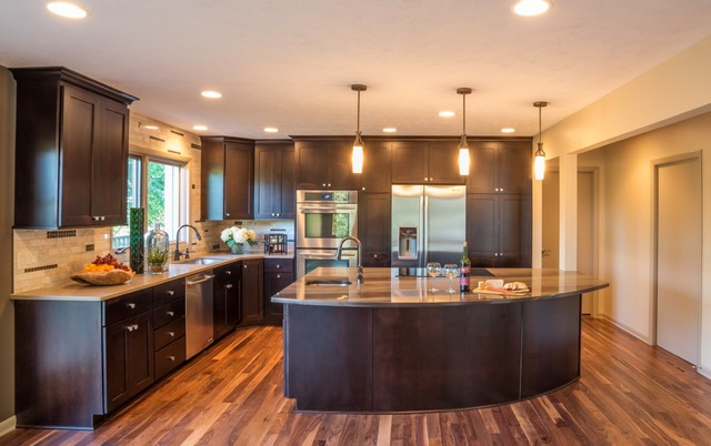 Horseshoe drive kitchen transitional kitchen other for Big island kitchen design