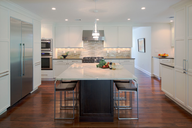 House in Scarsdale, New York contemporary-kitchen