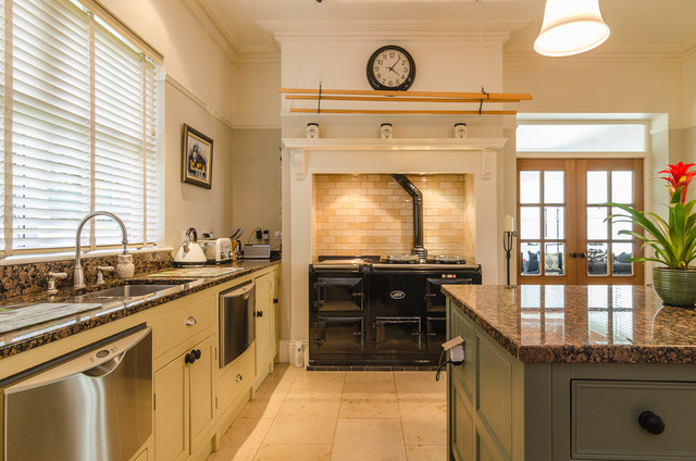 House on belfast road traditional kitchen northern for Traditional kitchens ireland