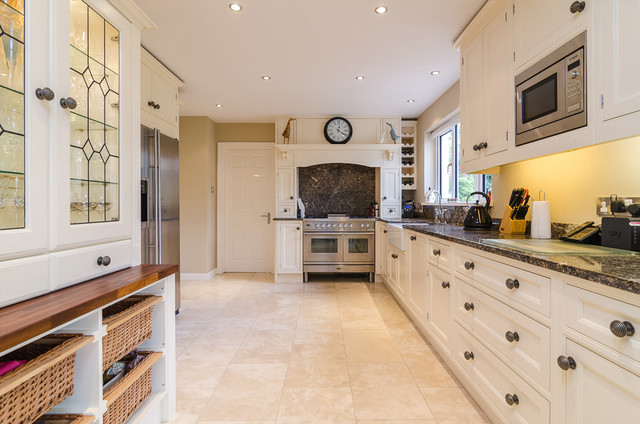 House on crawford traditional kitchen northern for Traditional kitchens ireland