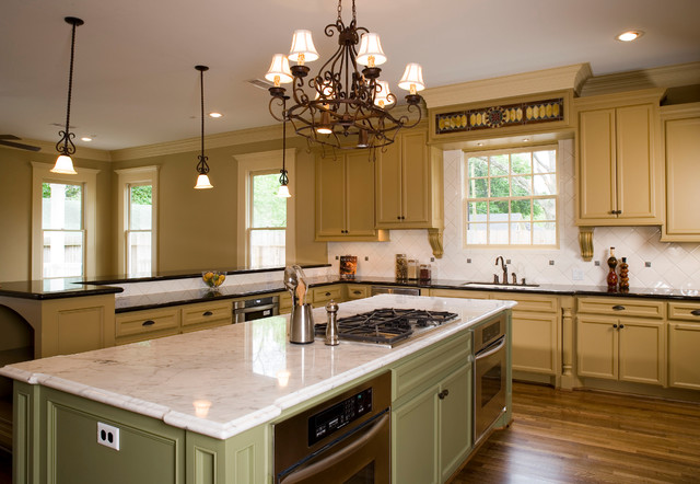 Houston Heights Project 6 traditional-kitchen