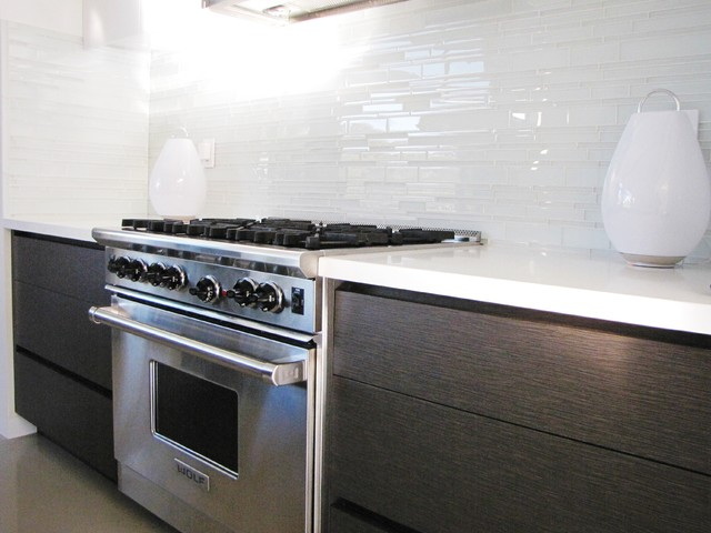 Example of a 1960s kitchen design in Orange County