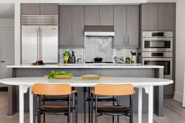 Houzz tour art and natural light shine in a contemporary for Houzz cuisine moderne
