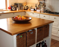 Houzz Tour: Cozy Living in a Canadian cottage in Holland's Green Heart traditional-kitchen