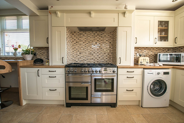 Hull Bespoke Kitchen Traditional Kitchen Other By Corbus Kitchens