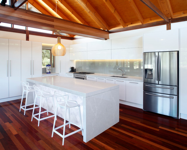 Hunter valley nsw holiday house tropical kitchen for Kitchen designs newcastle nsw