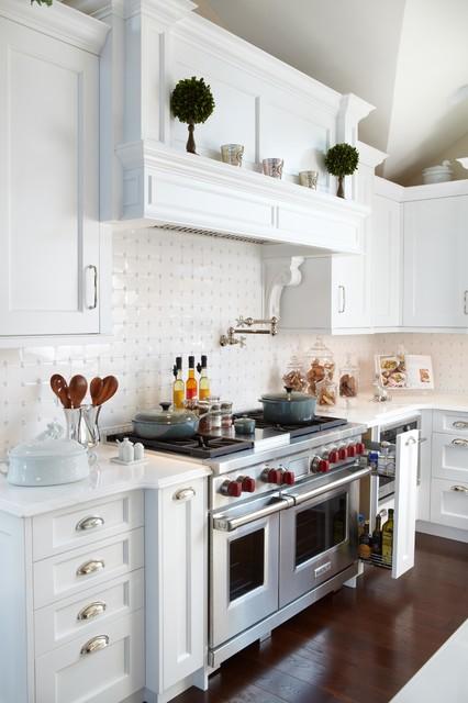 Huntington Bay, NY Kitchen, 1301BO traditional-kitchen