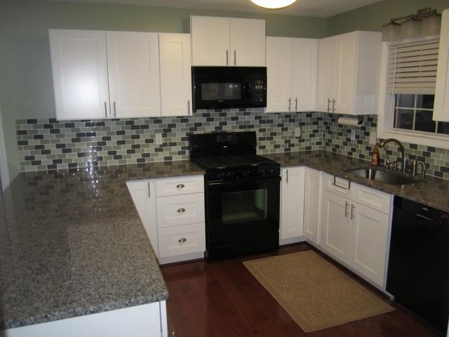 Ice White Shaker Kitchen Cabinets kitchen