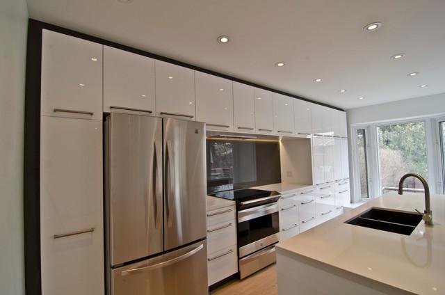 ikea abstrakt white custom modern kitchen toronto by ts kitchen projects. Black Bedroom Furniture Sets. Home Design Ideas